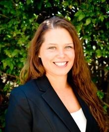 Jennifer L Holik